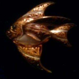 Jewelry - Cloissine vintage fish pin